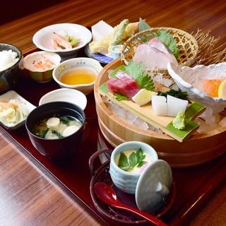 お昼10食限定にぎわい御膳1,880円→1,280円