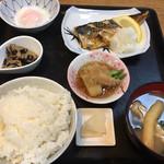 食堂関山 - 料理写真: