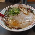 牛ちゃん - デカチャーシューの尾道ラーメン