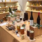 テッティー ベーカリーアンドカフェ - ワイン、ジャム等、パン以外のお土産選びに^^