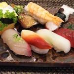 玄海鮨 - 梅にぎり  リバースアングル