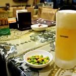 96507232 - 生ビールと、つまみ