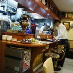 シルクロード・タリムウイグルレストラン - 内観・厨房