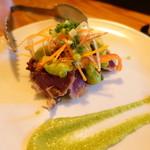 バカイゥン - 戻り鰹のタタキ 胡瓜とすだちのソース