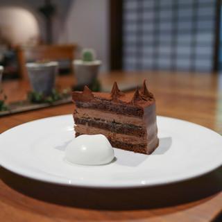 イロドリ - 料理写真:2018年11月再訪:チョコレートケーキ☆