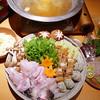 炭焼鰻 寝床 - 料理写真:うなぎと河豚の金鍋に色々キノコ