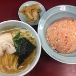 みん亭 - 半ラーメンと半チャーハンセット(850円)