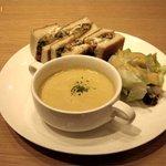 ゲンキッチン - 海老カツセット