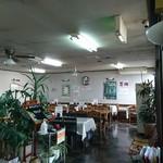 食事処 なおじろう - 食堂 です   老人ホームの 方々 沢山来ていて  それぞれ 好きなの 食べていました  嬉しいですね 〜〜母を 思い出す〜〜(*´-`) 座敷も あります