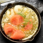 京ちゃばな - 丸ごとトマトと海老のアヒージョ