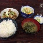 龍泉食堂 - 料理写真:もつ定