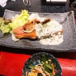 小魚 阿も珍 - 赤魚のレモンペッパー焼き、タルタルソース