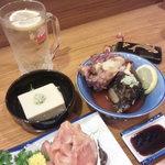たら福 - 料理写真:かに豆腐、ホッキ貝、赤貝、、そして~ハイボール!!