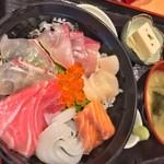 96563935 - 海鮮丼1,300円