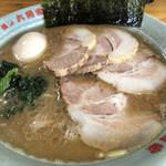 六角家 - チャーシュー麺・味玉 950円 LINEクーポンで中盛に変更