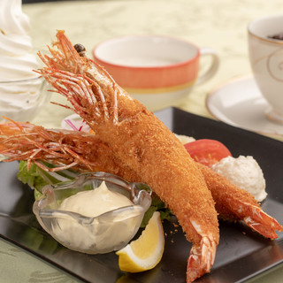 超BIG!海老フライランチ1,852円(税別)大人気!!