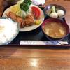 鳥雅 - 料理写真:美しい色合いの膳