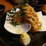 個室地鶏酒場 御蔵 - 桜海老のかき揚げ790円