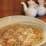 ウミガメ食堂 - 料理写真:ワンタン  850円