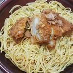 ローソン - 料理写真:大盛フライドチキンのペペロンチーノ498円