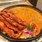 curry&cafe Warung - カツカレー&キーマのあいがけカレー   カツはかなりビックサイズでカリッとしてます。サラダも付いて来ます。