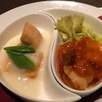中国料理 吉珍樓 - 海老のチリソースとサーモンのクリーム煮