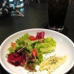 Cafe de 武 - 前菜のペンネとサラダ