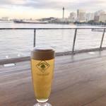 Cafe&dining blue terminal - 氷川丸とポートタワーを眺めながら