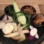 96618609 - 古来種と季節の野菜盛合せ