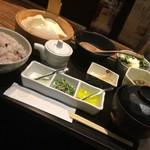 豆家茶寮 - 味付けは、醤油タレ、塩、ピンツォモニオ