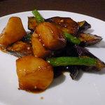 日比谷園 China Cafe&Dining - ランチセットの本日の一品(ジャガイモとナスのなんたら炒め/正確な名前は失念)