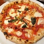 ピッツェリア チーロ - サラミが少な目ではなく、味が濃いのでこれがベスト。