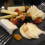カフェレストラン ミレフォリア - チーズの盛り合わせ