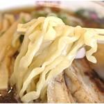手もみ中華そば 麦の花 - びろんびろんのぶっとい麺。