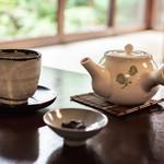 96629332 - お茶としぼり豆