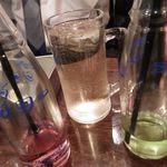 串カツ 串坊 - こだまサワー赤+緑=茶