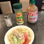 ニューハンダ - 鉄板あんかけスパゲティのサラダ