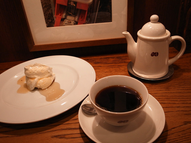 カフェ マメヒコ 宇田川町店 - レアチーズ、深入り珈琲