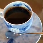銀波荘 - ラウンジでコーヒー