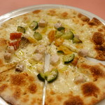 ピッツェリア・サバティーニ - カジキマグロと彩り野菜のpizzaビアンカ