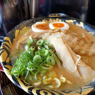 ハルピン 味噌らーめん 雷蔵 - 料理写真:味玉たれ味噌~☆