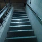 Ajiankicchinhanakaji - まず階段を上がって