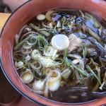 円実屋 - 山菜そば ¥880