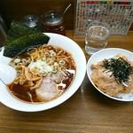Hokkaidouramenrairaiken - 醤油ラーメン ¥700  ミニ豚丼 ¥300