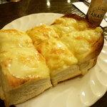 CAFE FLORIAN - ☆ふわふわトーストはチーズたっぷりです(*^。^*)☆