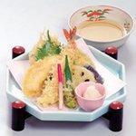 麺酒房 文楽 - 天ぷら一品通し揚げ さくさくあつあつの盛合せ