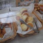 シャトレーゼ - 数種のパン