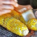 清水屋 - 料理写真:炭火焼トウモロコシ(2011年9月)