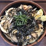 パスタフレスカ 英 - 料理写真:玄界灘風スパゲティ〈あさり えび いか和風ソース〉@980+ビック@200