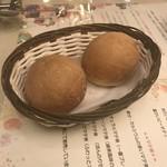 ヴィヴァーチェ - 2018/11 自家製パン2コ 324円